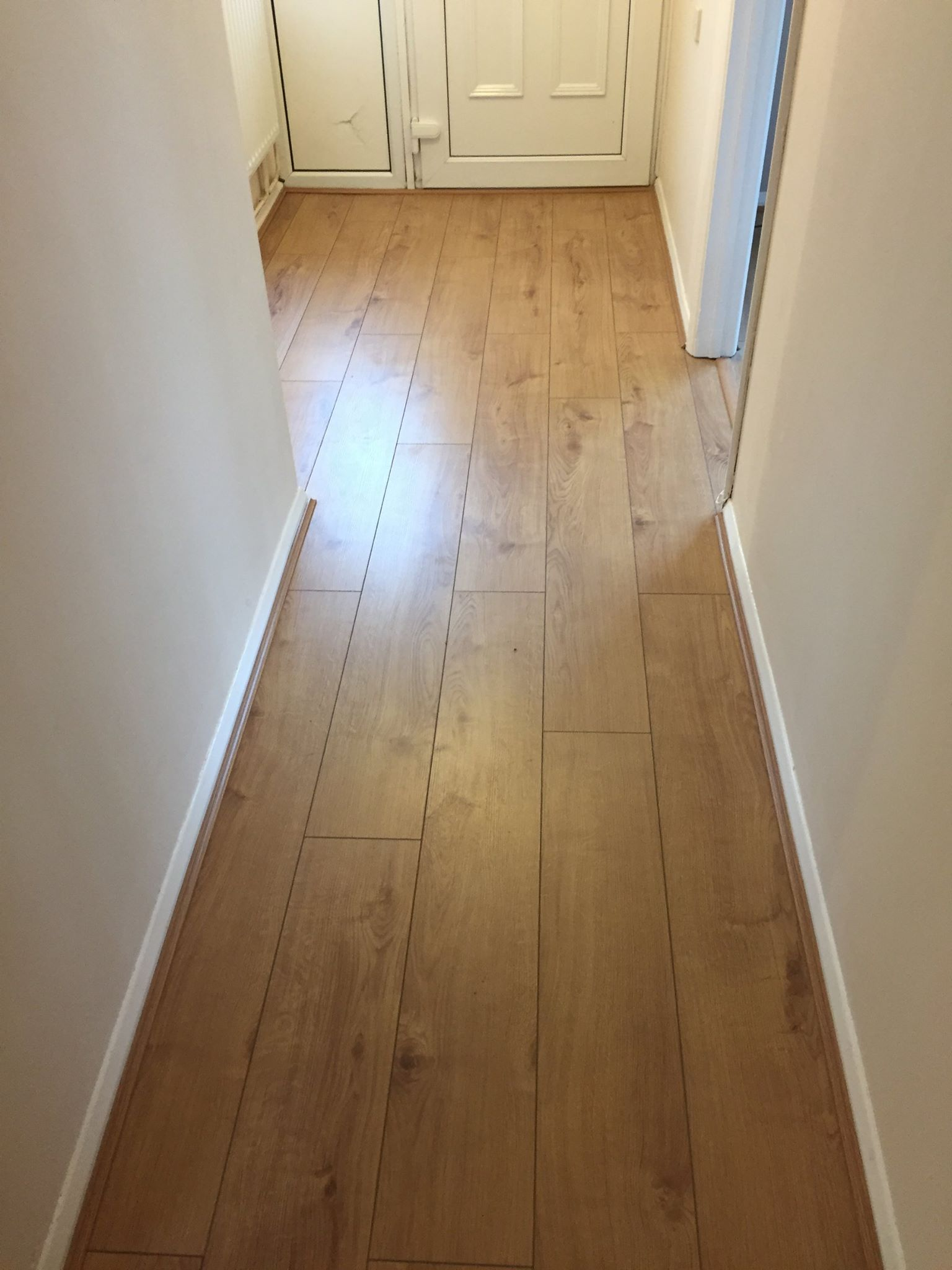 Laminate Flooring Services : Laminate flooring installation bicester property services