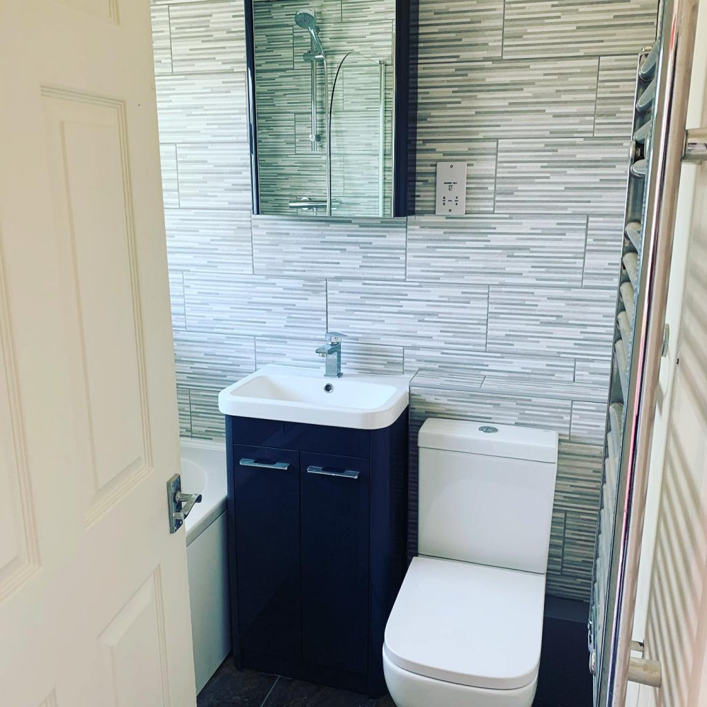 Bathroom Installation (Slate & Grey) Evenlode Close, Bicester Bicester Property Interiors